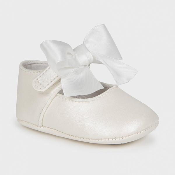 Buciki (pantofelki) niemowlęce 9404 Mayoral