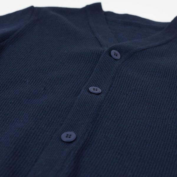 Zapinany sweter chłopięcy granatowy